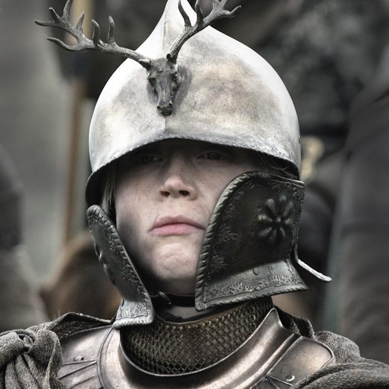Brienne_Kingsguard_helmet.jpg